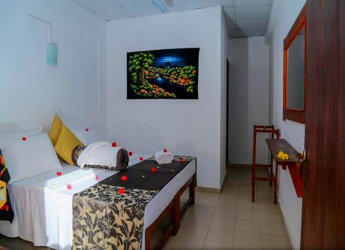 Hansa Surf Hotel (ex. Polina Beach Resort) 2*