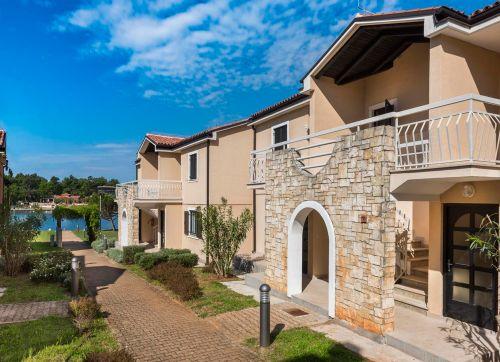 Apartments Sol Amfora For Plava Laguna 4*